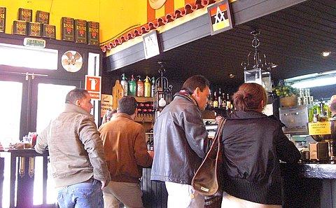 Azafr n nervion sevilla tapas - Bar coloniales sevilla ...