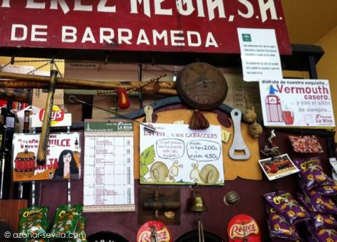 la mina behind the bar